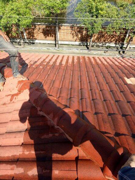 งานซ่อมหลังคา บ้านคุณอดิศร 02